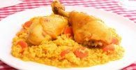 el tradicional pollo con arroz