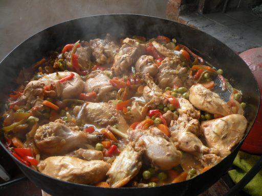 pollo al disco con crema y panceta receta